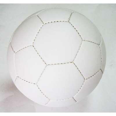 Мяч футбольный белый без логотипа